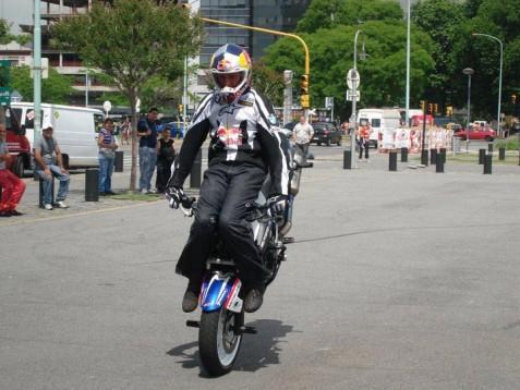 Стънт на Крис Пфайфър в Буенос Айрес 2