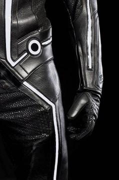 Мотоциклетният екип Tron Legacy 4