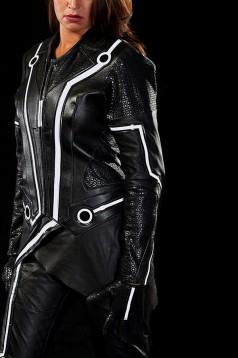Мотоциклетният екип Tron Legacy 9