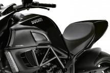 Ducati Diavel вече и в диамантено черно 4