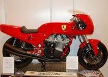 Мотоциклетът Ferrari 900 на търг