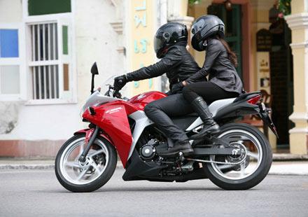 Още снимки на Honda CBR250R