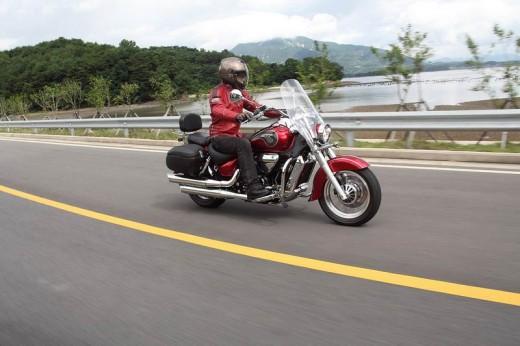 Новият HYOSUNG ST7 за 2011 година 3
