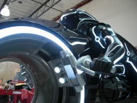 Светлинният мотоциклет в Tron в реален размер 02