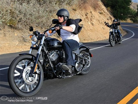 Видео и снимки на Harley Blackline 08