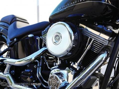 Видео и снимки на Harley Blackline 09