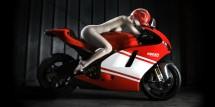 Ducati се разсъблича в секси фотосесия 15
