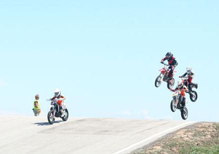 България ще приеме четири световни и седем европейски купи по мотоциклетизъм