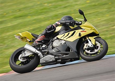 BMW S1000RR – международен мотоциклет на 2010 година