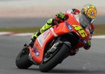 Роси сменя стила си заради Ducati