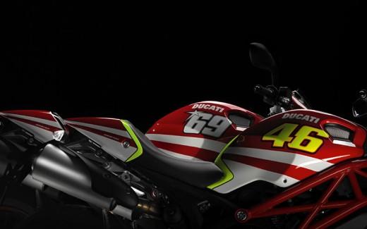 Духът на Роси в Ducati Monster 03