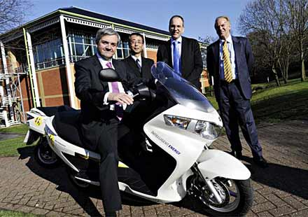 Suzuki Burgman – новият скутер, задвижван с водород