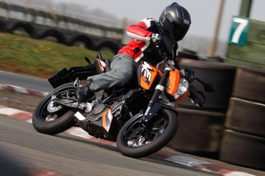 2011 KTM Duke 01