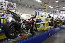 MV Augusta започна производството на супербайка F4 RR Corsacorta 01