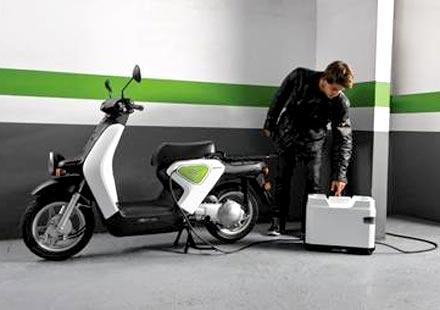 Honda започва европейска програма за електрическия скутер EV-neo