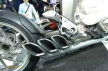 Шестцилиндров нейкд мотор от BMW 05