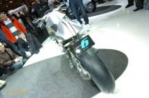 Шестцилиндров нейкд мотор от BMW 06