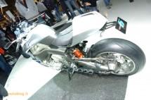 Шестцилиндров нейкд мотор от BMW 07