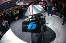 Шестцилиндров нейкд мотор от BMW 17