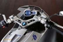 Шестцилиндров нейкд мотор от BMW 31