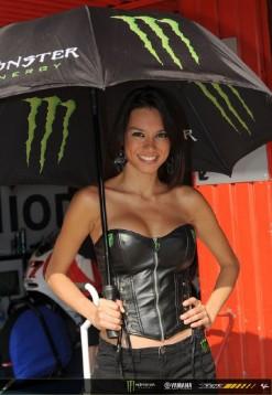 Падок момичетата на MotoGP Бареслона 2011 09