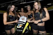 Падок момичетата на MotoGP Бареслона 2011 10