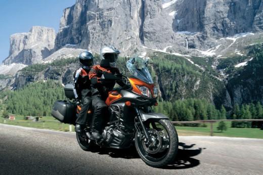 Снимки на мистериозния мотоциклет Suzuki V-Strom 2012 01