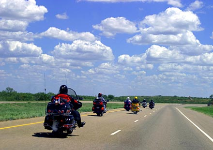 Полезни съвети: Последният моторист в групата