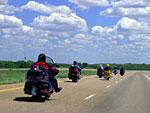Последния моторист в групатa е… най-способния, най-опитния, най-екипирания
