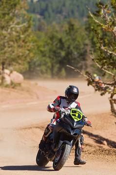 Фабричен мотор Ducati Multistrada 1200 спечели Pikes Peak с рекорд 03