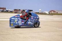 Suzuki Hayabusa счупи рекорда за скорост на легален мотор - 502 км/ч.