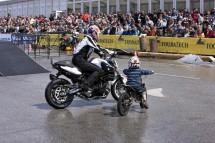 Снимки и видео от BMW Motorrad days 2011 03