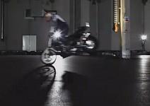 Видео урок от световния шампион по стънт Крис файфър - Как се вдига задна гума