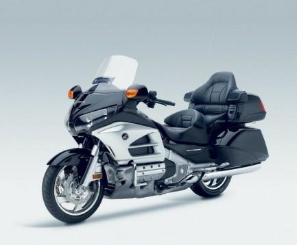 Инвоации в мотоциклета Honda Gold Wing за 2012 09