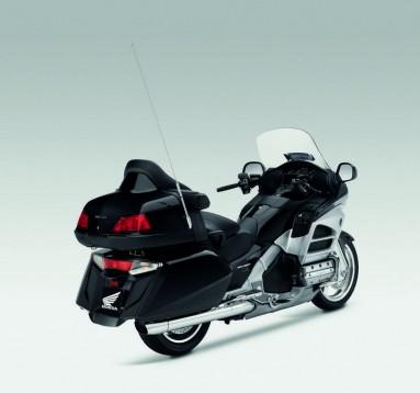 Инвоации в мотоциклета Honda Gold Wing за 2012 10