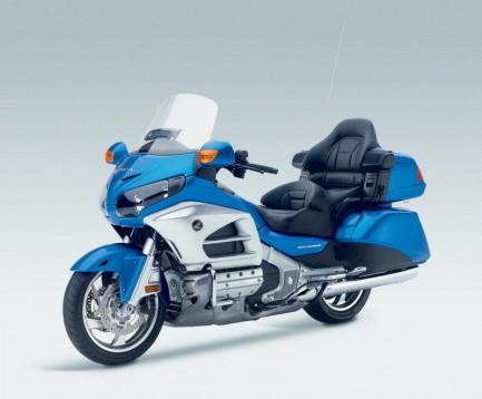 Инвоации в мотоциклета Honda Gold Wing за 2012 11
