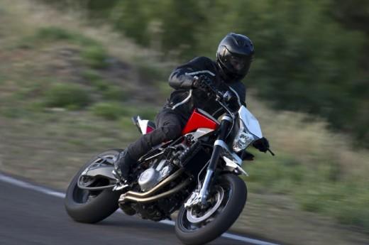 Официални снимки на мотоциклета Husqvarna Nuda 900R 05