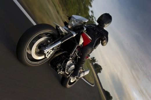Официални снимки на мотоциклета Husqvarna Nuda 900R 08
