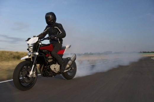 Официални снимки на мотоциклета Husqvarna Nuda 900R 10