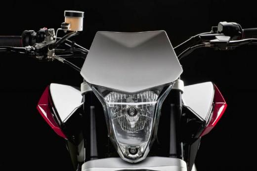 Официални снимки на мотоциклета Husqvarna Nuda 900R 13