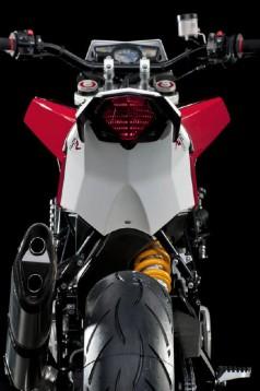 Официални снимки на мотоциклета Husqvarna Nuda 900R 16