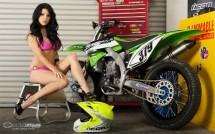 Секси байкърки - Мики и Kawasaki KX450F 16