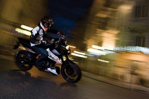 Най-мощния едноцилиндров мотор в света - детайли за 2012 KTM 690 Duke 02