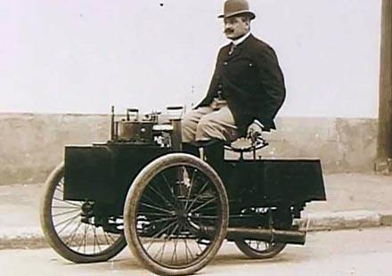 Най-старото возило в света, задвижвано от двигател ще се продава на търг