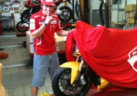 Разкрива се моторът 2012 Ducati Streetfighter 848