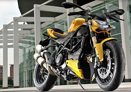169 кг и 132 конски сили в Ducati Streetfighter 848