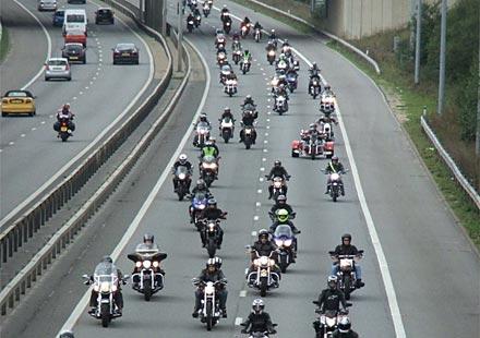 40 000 моториста излязоха на протест в Англия срещу предложенията на Европейския съюз