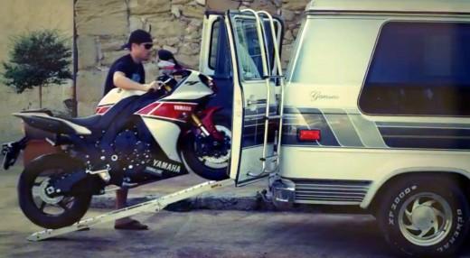 Промо видео на лимитираната серия 2012 Yamaha YZF R1 50th Anniversary 03