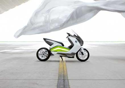 Концепцията за електрически скутер на BMW с камери за задно виждане