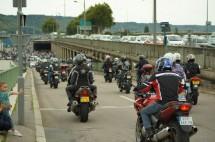 Френските мотористи продължават да стачкуват 01